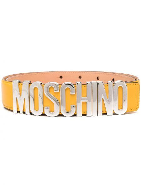 Желтый кожаный ремень с пряжкой Moschino