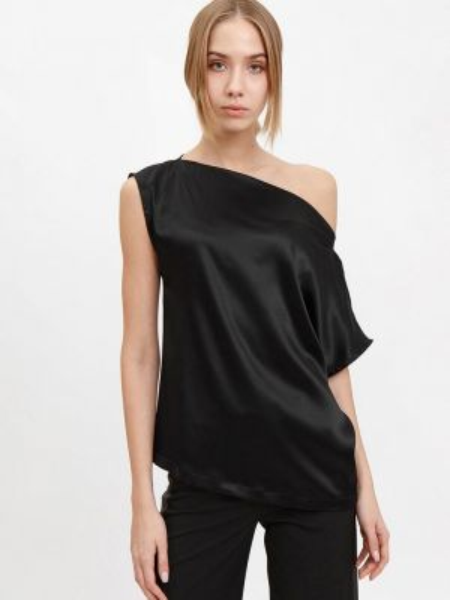 Блузка - черная Bizzarro