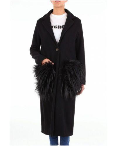 Czarny płaszcz Maesta