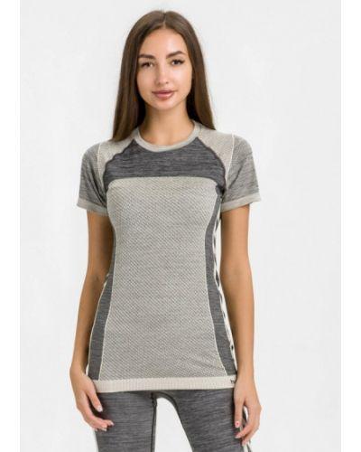 Серая спортивная футболка Hummel