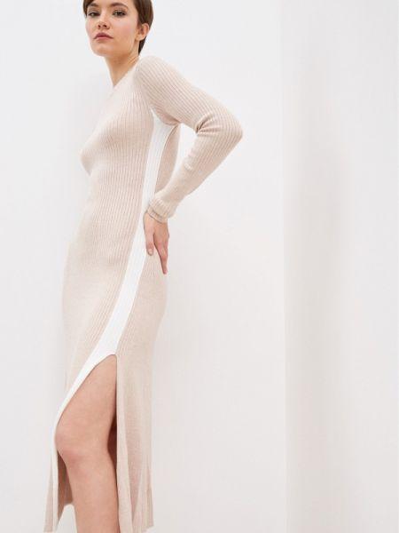 Платье вязаное бежевое Zarina