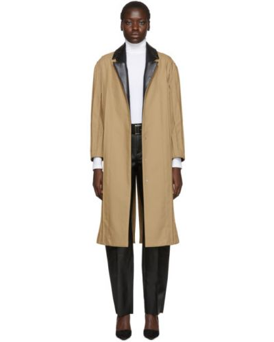 С рукавами бежевое длинное пальто с воротником Pihakapi