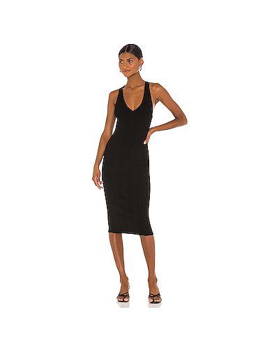 Черное шелковое платье в рубчик L'agence