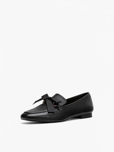 Туфли черные осенние Stradivarius