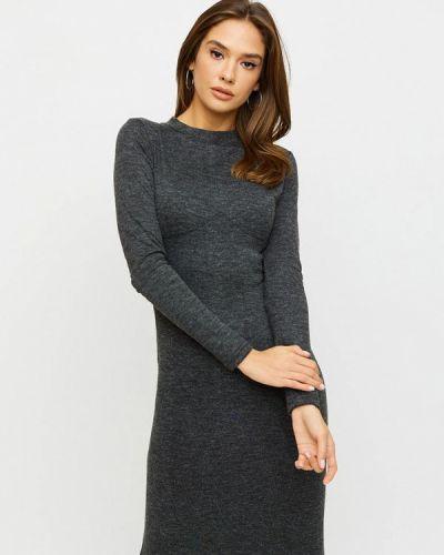 Серое платье-футляр Karree