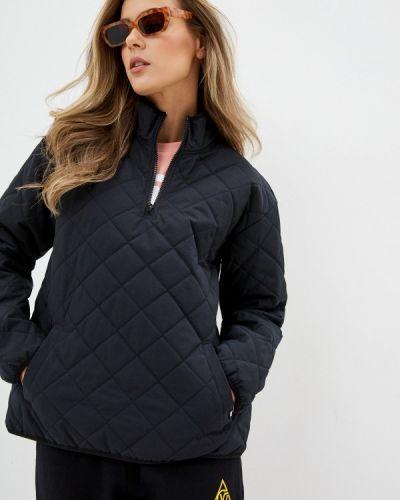 Теплая черная утепленная куртка Vans