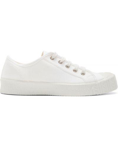 Białe sneakersy koronkowe sznurowane Spalwart