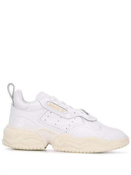 Skórzane sneakersy z logo białe Adidas Originals