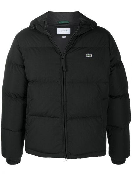 С рукавами черная стеганая длинная куртка Lacoste