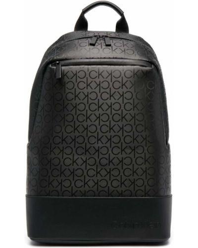 Черный кожаный сумка на плечо на молнии Calvin Klein