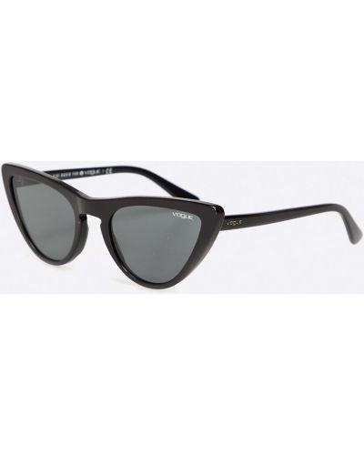 Солнцезащитные очки кошачий глаз черные Vogue Eyewear
