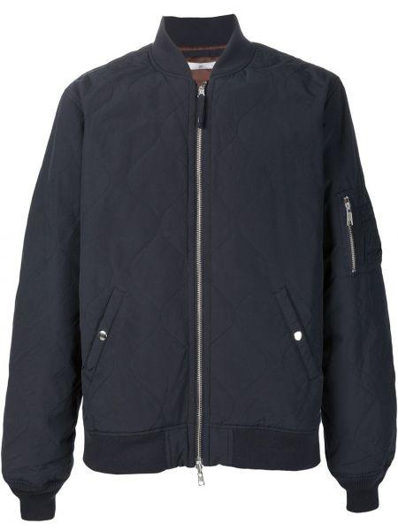 Нейлоновая черная куртка 321