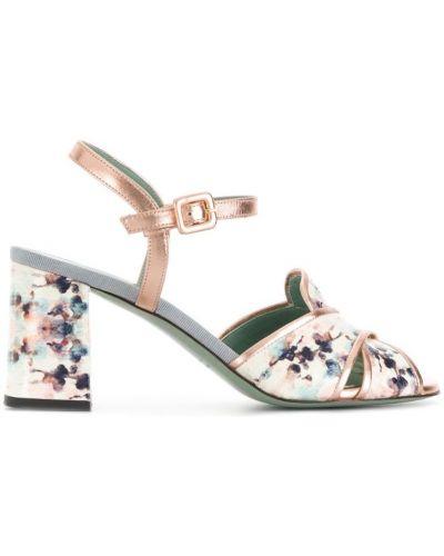 Кожаные туфли белый с цветочным принтом Paola D'arcano