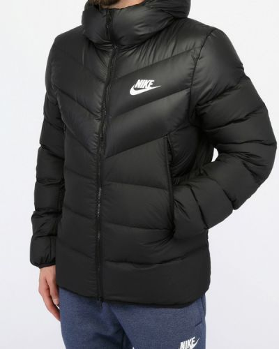Черный пуховик Nike