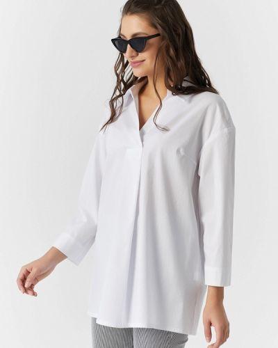 Белая блузка Fly