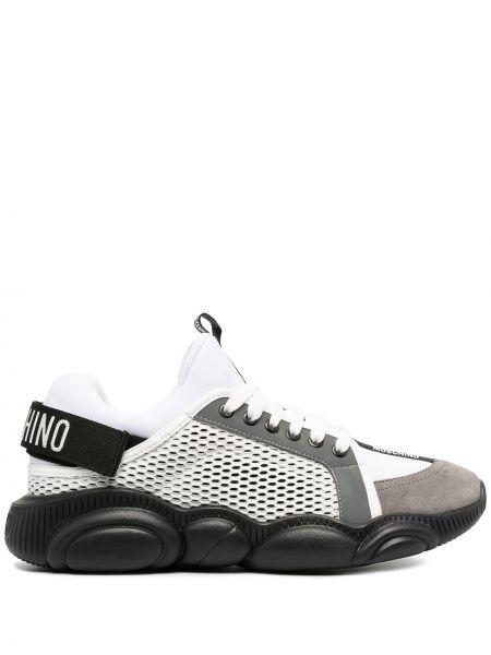 Koronkowa skórzany czarny sneakersy na sznurowadłach Moschino