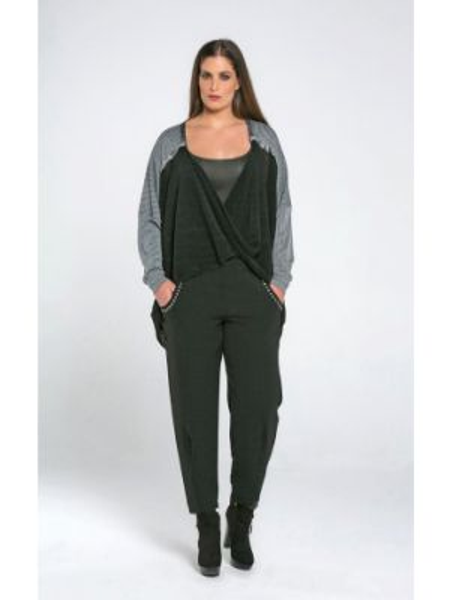 Тонкий с рукавами серый пуловер с V-образным вырезом Mat Fashion