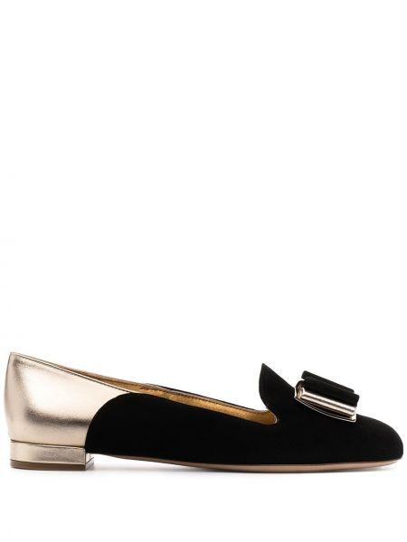 Черные кожаные туфли круглые Salvatore Ferragamo