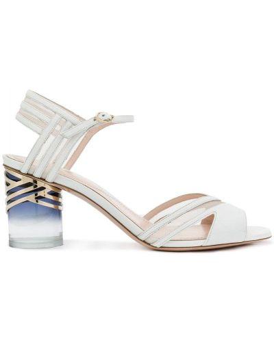 Белые сандалии на шнуровке Nicholas Kirkwood