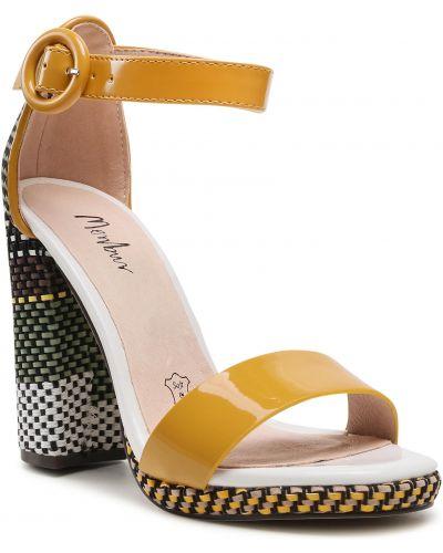 Żółte klasyczne sandały Menbur
