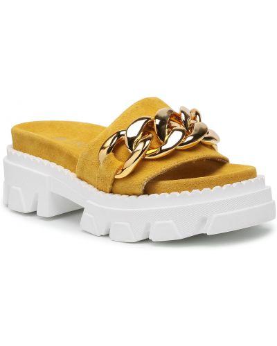Żółte sandały zamszowe Carinii