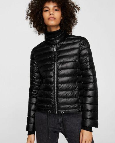Стеганая куртка утепленная черная Mango