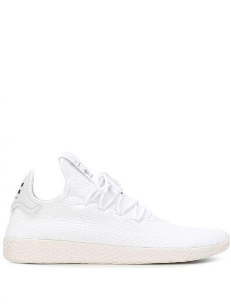 Białe sneakersy sznurowane koronkowe Adidas By Pharrell Williams