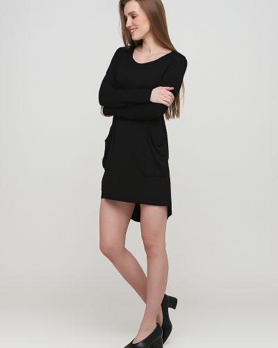 Черное платье макси с круглым вырезом Makadamia