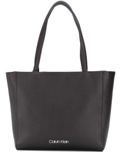 Черная сумка шоппер Calvin Klein