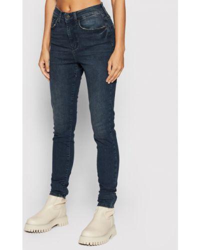 Mom jeans granatowe Y.a.s