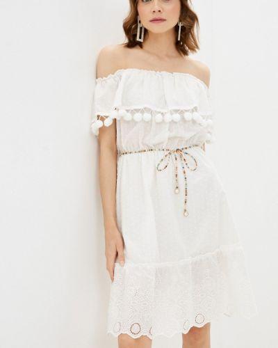 Белое платье с открытыми плечами Rinascimento