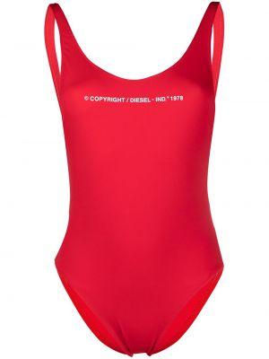 Пляжный красный купальник с шортами с надписью Diesel