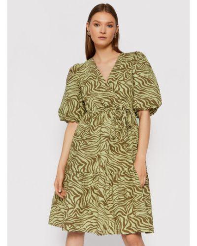 Zielona sukienka casual Gestuz