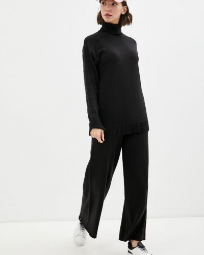 Костюмный вязаный черный костюм Sewel
