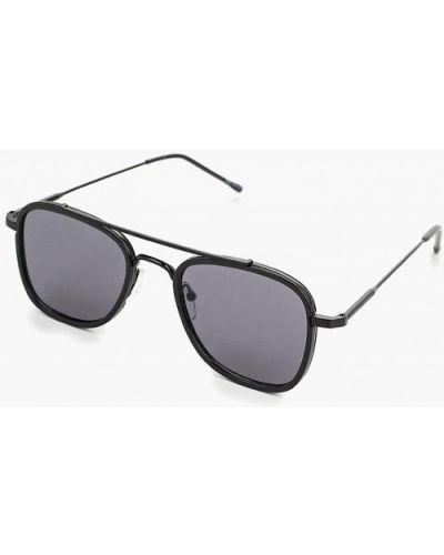 Солнцезащитные очки черные Burton Menswear London