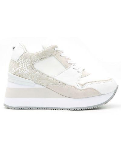 Białe sneakersy Apepazza
