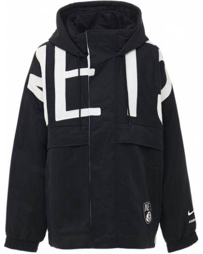 Нейлоновая с рукавами куртка на резинке Nike