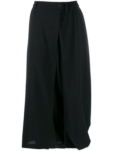 Приталенные черные брюки на пуговицах свободного кроя 132 5. Issey Miyake