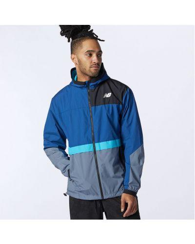 Тренировочная облегченная синяя куртка New Balance