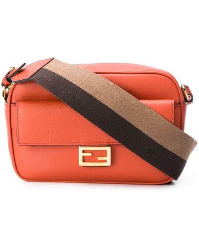 Золотистая кожаная сумка на плечо на молнии Fendi