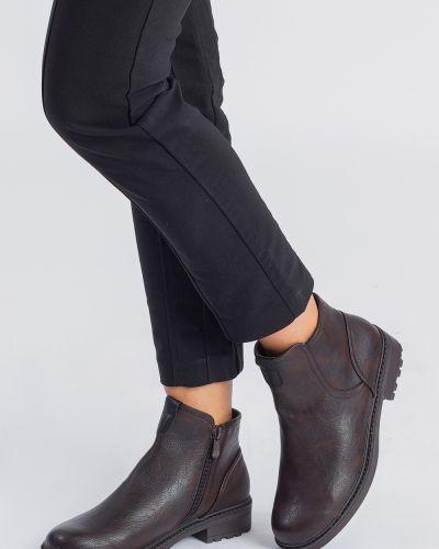 Кожаные ботинки на каблуке демисезонные Lacywear