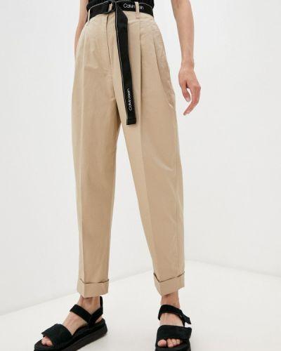 Бежевые брюки осенние Calvin Klein