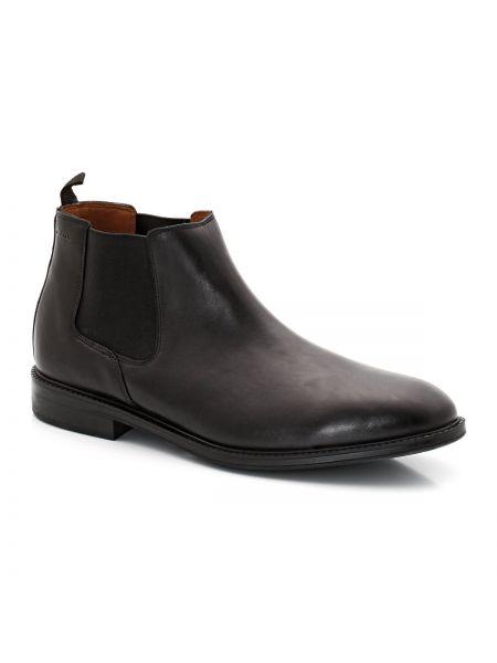 Черные кожаные ботинки Clarks