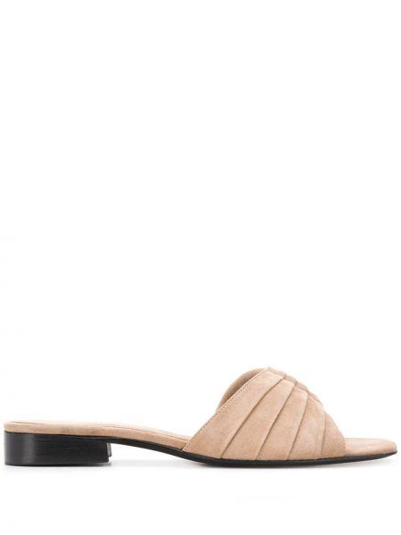 Открытые кожаные бежевые сандалии на каблуке Dorateymur