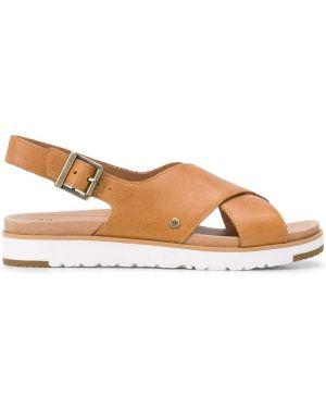 Открытые с ремешком кожаные сандалии с открытым носком Ugg