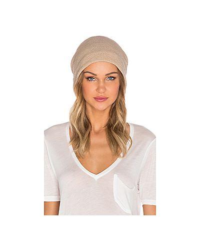 Вязаная шапка бини Plush