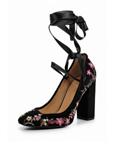 Туфли на каблуке черные замшевые Ilvi