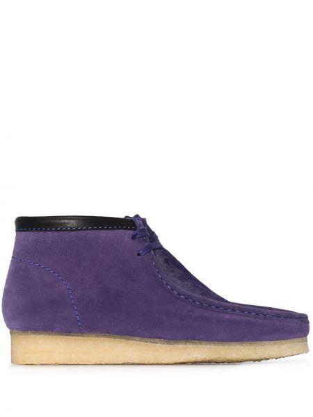 Замшевые сапоги на шнуровке на плоской подошве Clarks Originals