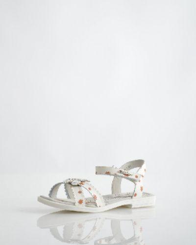 Кожаные туфли на каблуке летние Vitacci