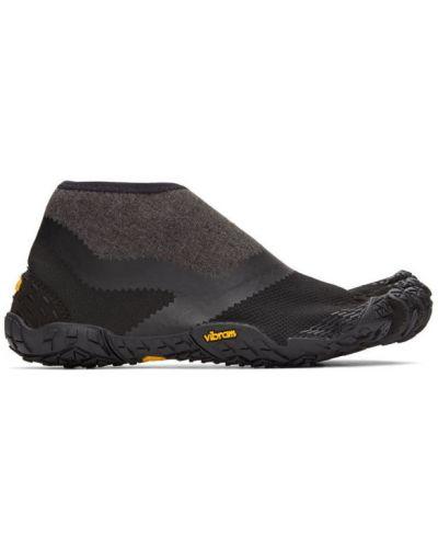 Czarny sneakersy z siatką na pięcie siatkowaty Suicoke